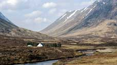 Lagangarbh Hut : head of Glencoe - Scottish Highlands (OS Grid Ref. NN224562)