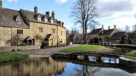 Lower Slaughter - the Cotswolds, Gloucestershire (OS Grid Ref. SP163225 Nearest Post Code GL54 2HS)